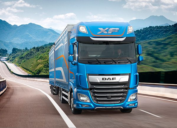 Nieuwe DAF XF FAR Super Space Cab