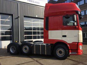 New DAF XF 6x2 trekker voor de Vlas transport
