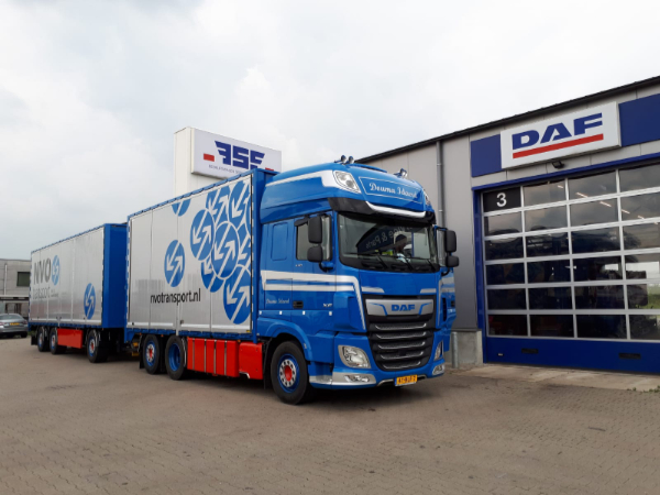 DAF XF 530 FAR Super Space Cab voor Douma Idaerd