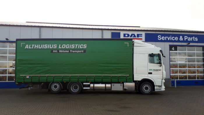 DAF XF 430 FAR 6x2 bakwagen Low Deck voor LGJ Krol Transport