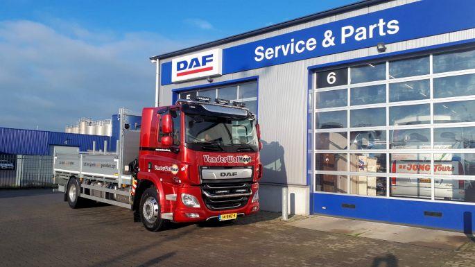 DAF CF 290 FA 4x2 bakwagen voor Van der Wal Hout