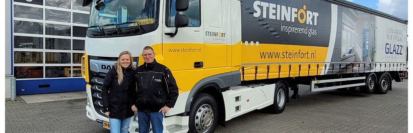 Twee DAF XF 480 Super Space Cab First Choice trucks voor -Steinford Inspirerend Glas