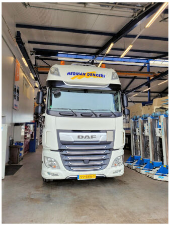 First Choice DAF XF 480 FT 4x2  Super Space Cab voor Herman Denkers Transport!