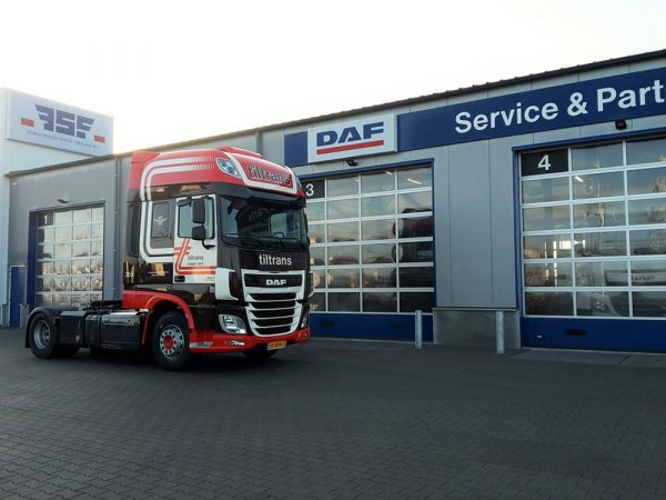 3e DAF XF Super Space Cab Tiltrans